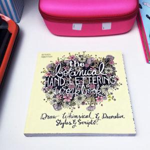 ksiazka hand lettering